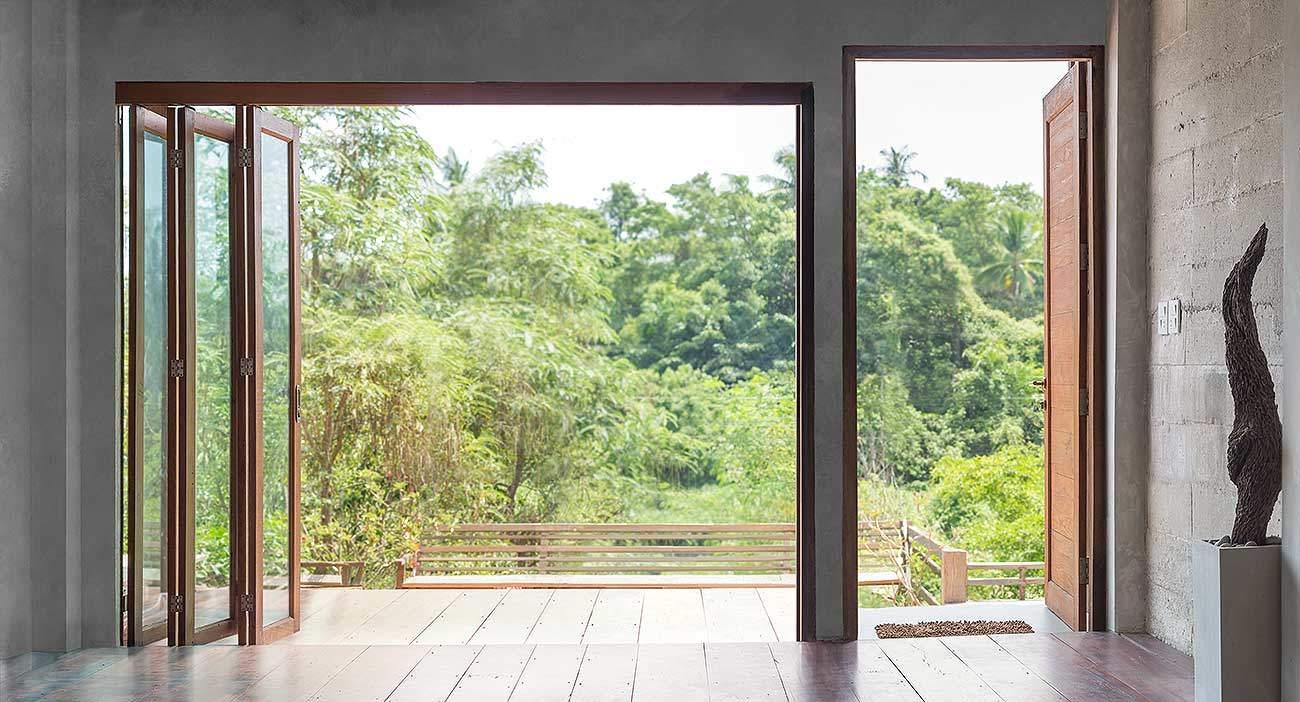Holz Faltwand zum Garten offen